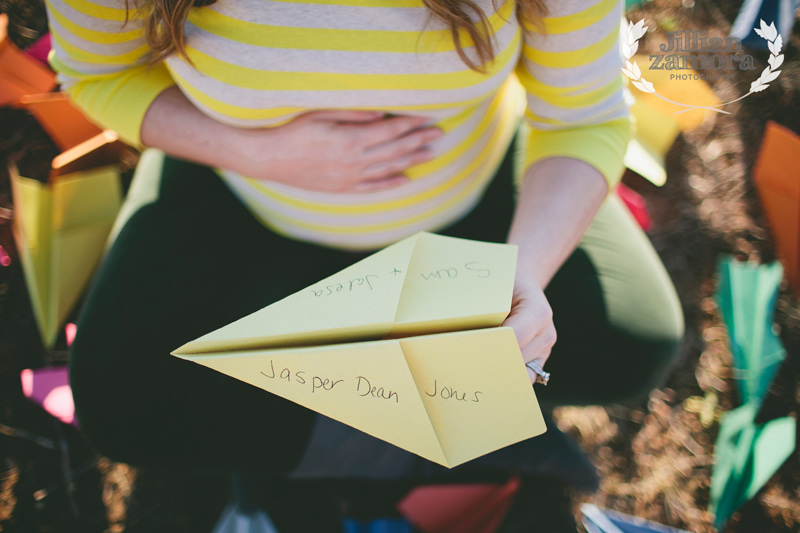 paper-airplane-maternity_11