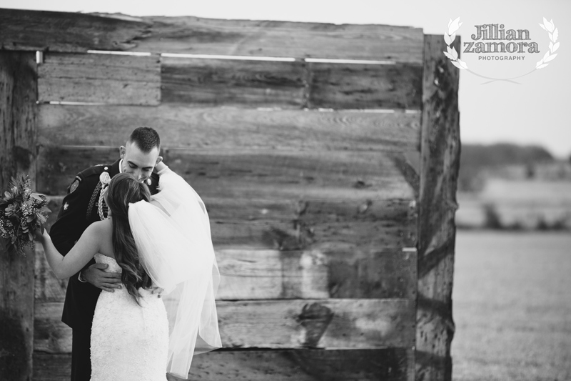 wintercountrywedding_jillianzamoraphotography29