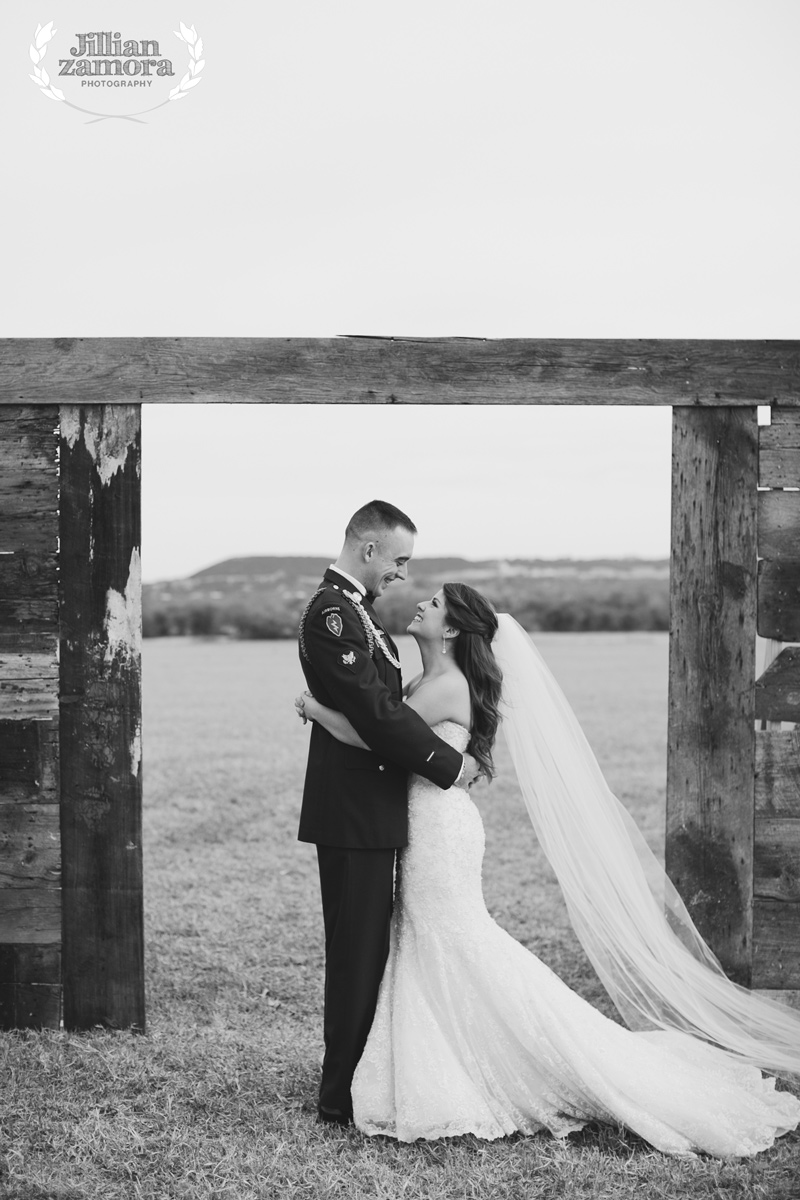 wintercountrywedding_jillianzamoraphotography35