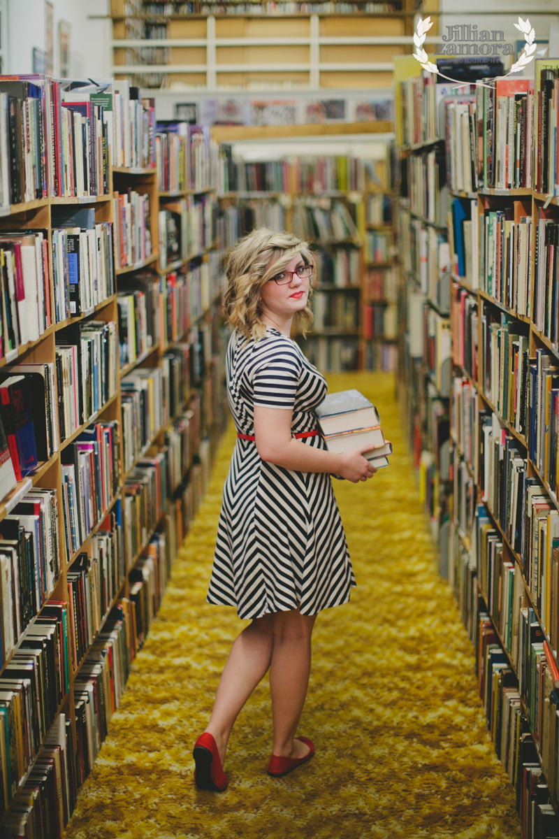 recycled-bookstore-senior-portraits-07
