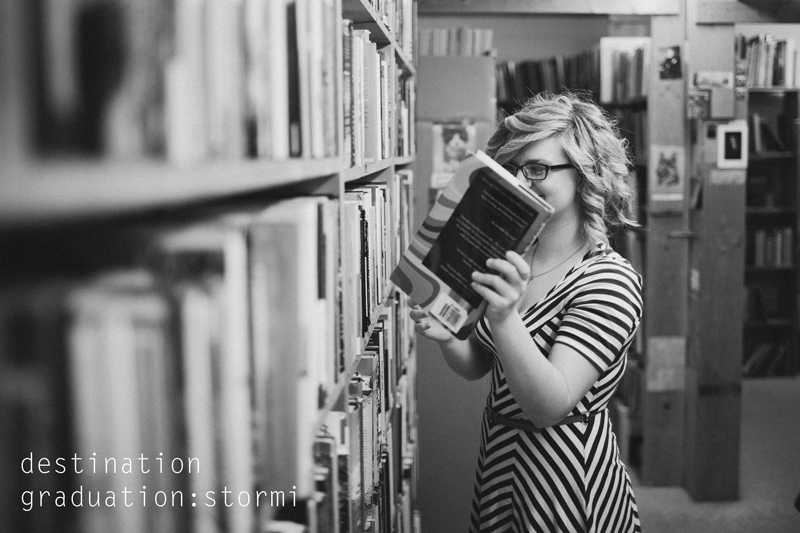recycled-bookstore-senior-portraits-01