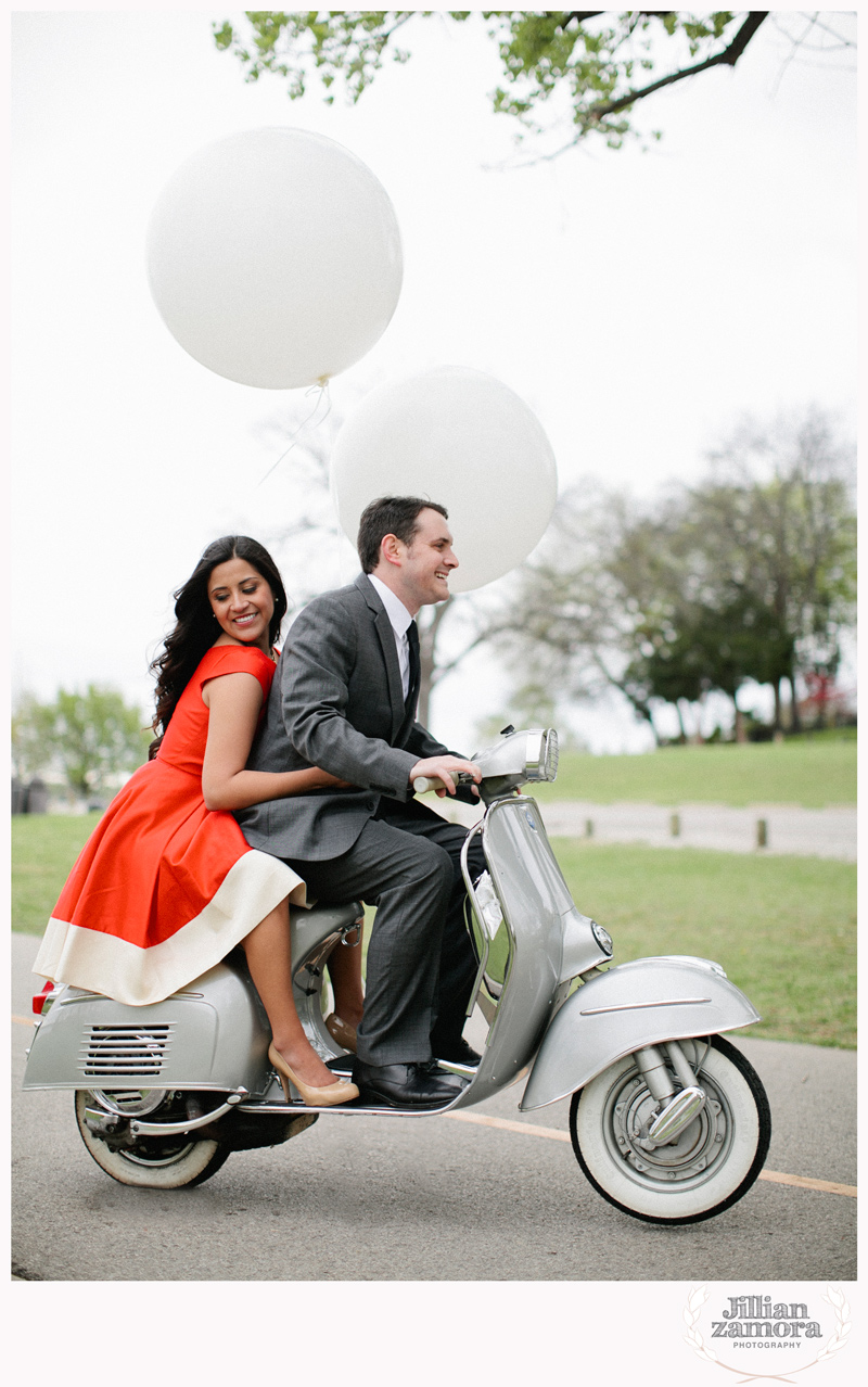 dallas-vintage-vespa-balloon-engagements17