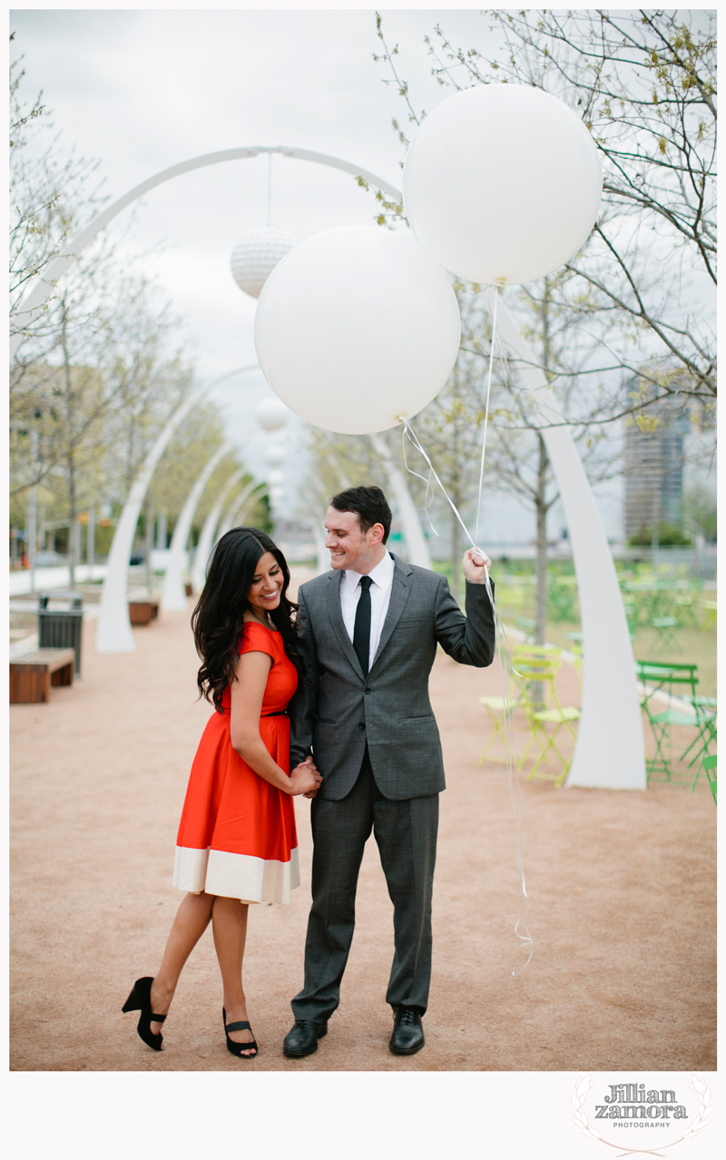 dallas-vintage-vespa-balloon-engagements28