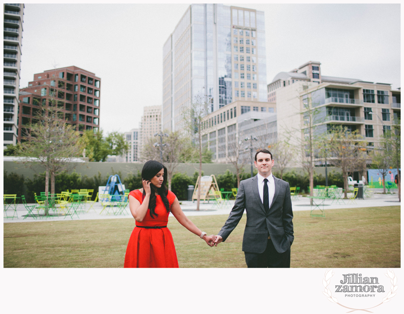 dallas-vintage-vespa-balloon-engagements42