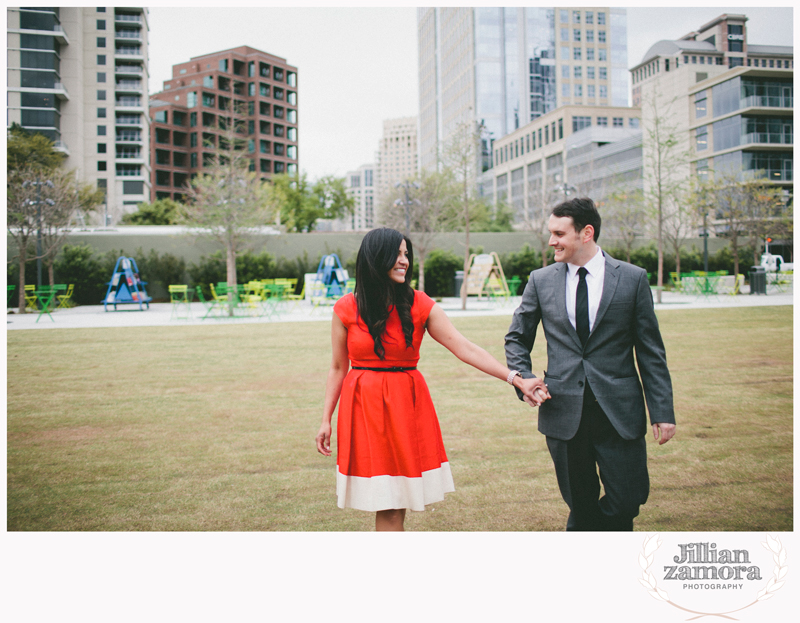 dallas-vintage-vespa-balloon-engagements43