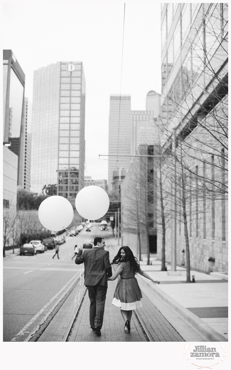 dallas-vintage-vespa-balloon-engagements49