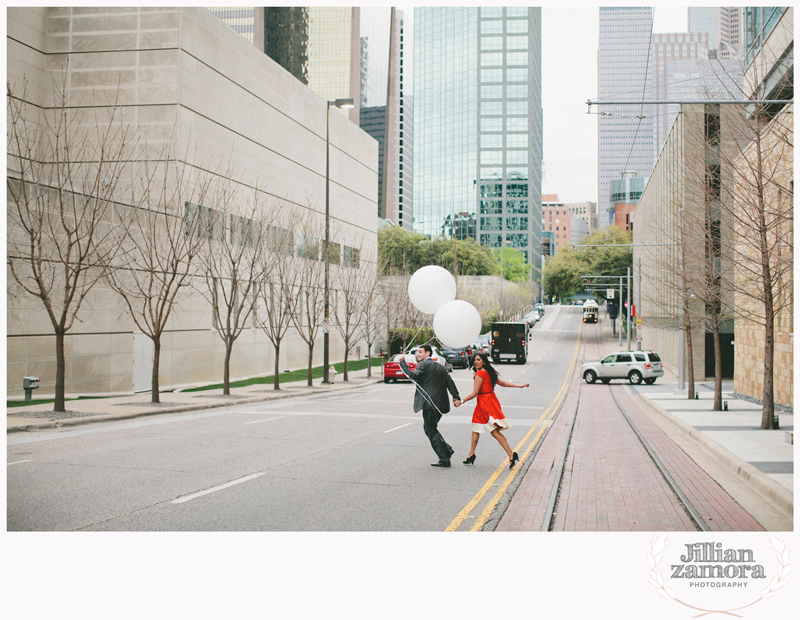 dallas-vintage-vespa-balloon-engagements50