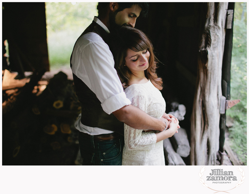rustic vintage cedar hill state park engagement photography _09