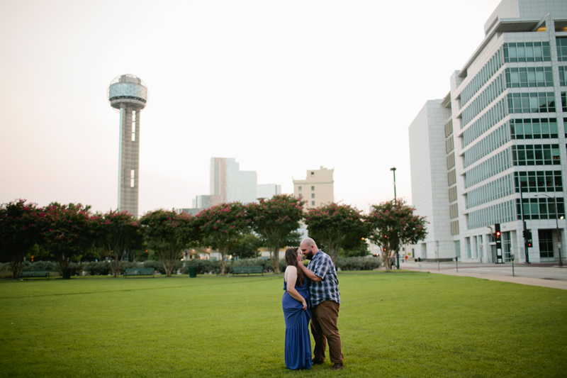 dallas big balloon engagement photos29