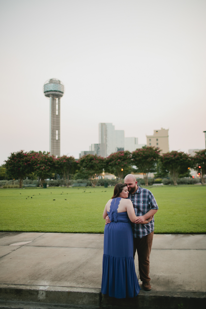 dallas big balloon engagement photos33