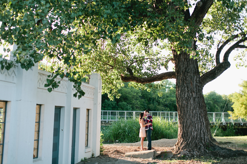 turtle creek engagement photographer_32